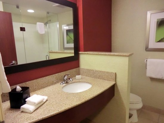 Courtyard by Marriott Fort Wayne Downtown at the Grand Wayne Center: #329
