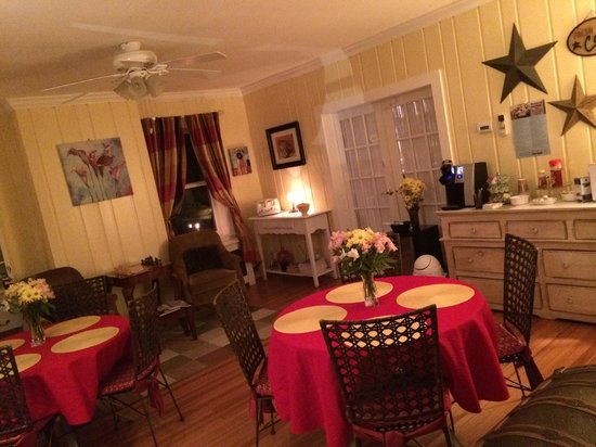 The Homestead at Rehoboth Bed & Breakfast: Dining Room