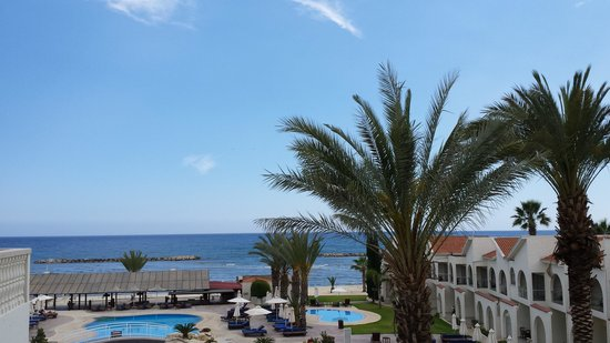 Princess Beach Hotel: View of the hotel and the sea from balcony with sea view