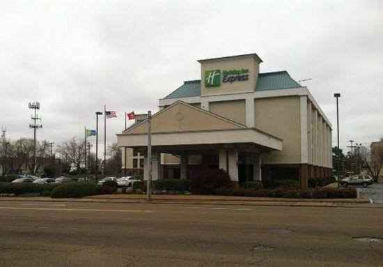 Holiday Inn Express - Medical Center Midtown: View From Across Street