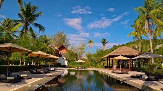Twin Lotus Resort & Spa