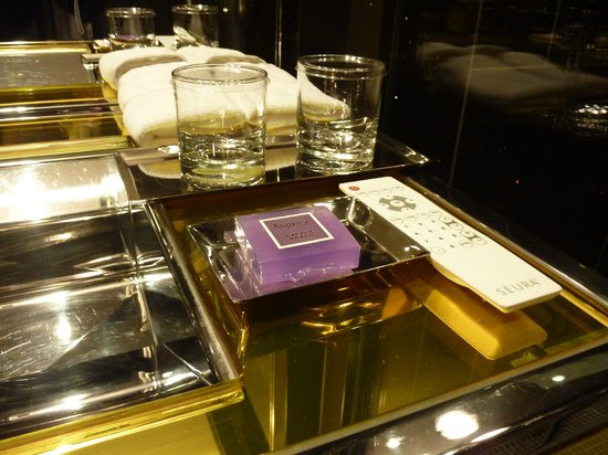 The Chatwal, A Luxury Collection Hotel, New York: Bathroom amenities