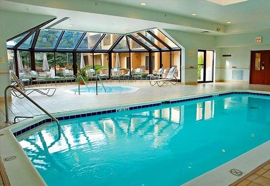 Glenview tourism best of glenview il tripadvisor for Burbank swimming pool illinois