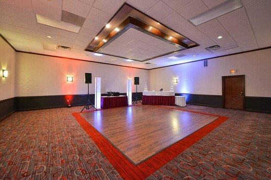 ballroom picture of radisson hotel madison madison tripadvisor. Black Bedroom Furniture Sets. Home Design Ideas