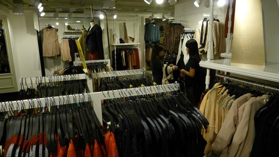 Forever 21 retail clothes shop - Picture of Forever 21, Hong Kong