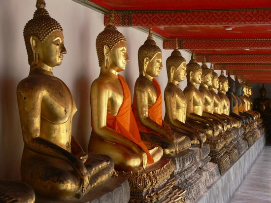 Wat Pho: Hall of Buddhas - Picture of Temple of the ...