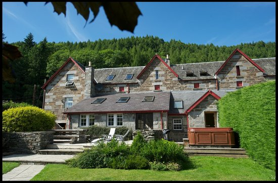 ‪Mains of Taymouth Cottages‬
