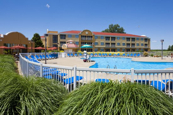 Photo of Sandcastle Suites Sandusky