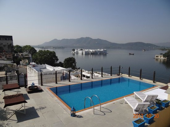 Roof Top Swimming Pool Overlooking Lake Pichola Picture Of Hotel Udaigarh Udaipur Udaipur