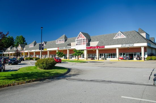 Tilton (NH) United States  city photos gallery : Tanger Outlets Tilton NH : Hours, Address, Top Rated Attraction ...
