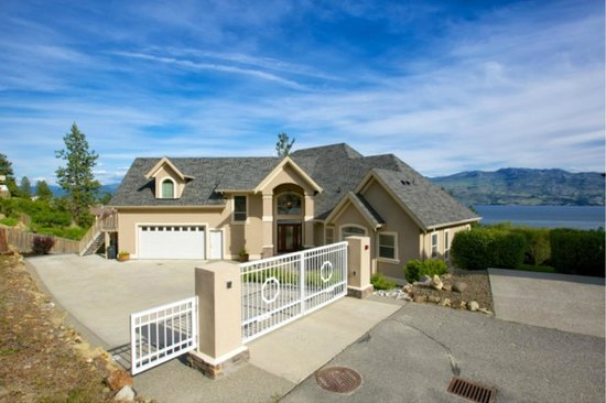 Lake Okanagan Bed & Breakfast