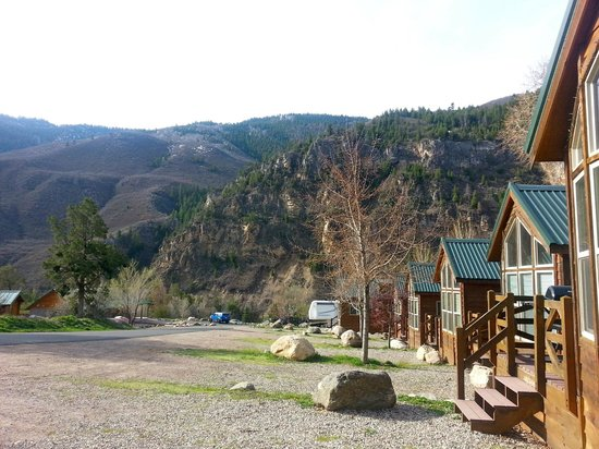 Gorgeous morning outside the deluxe cabin picture of for Cabins for rent near glenwood springs