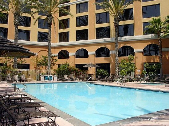 Wyndham anaheim garden grove orange county ca hotel for Garden grove pool