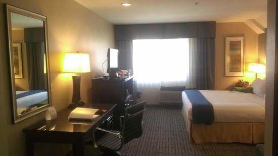 Room Picture Of Holiday Inn Express Los Angeles