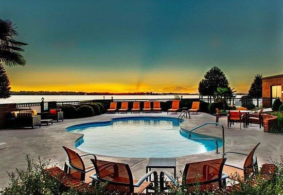 Photo of Comfort Suites Riverfront Park New Bern