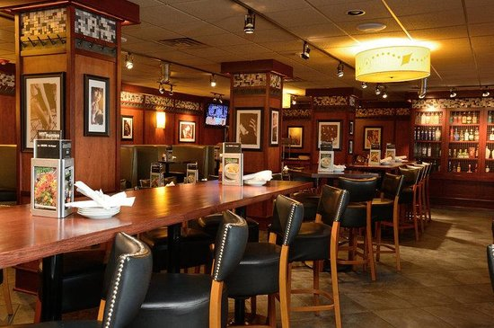 Holiday Inn Chicago Oakbrook: Dining and Restaurants in Oak Brook Terrace, Holiday Inn