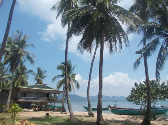 Koh Tonsay (Rabbit Island): A house of local people on the non ...