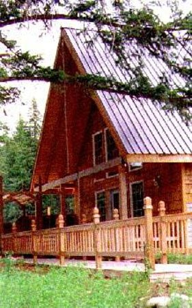 Featherwinds Lodging, LLC.: Featherwinds' Country Garden Guest Lodge