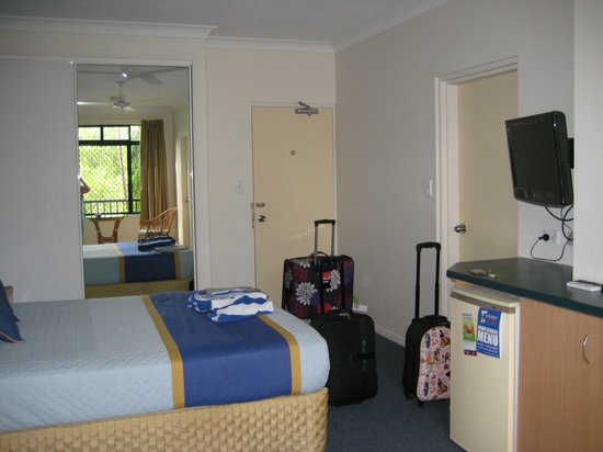 Grosvenor in Cairns: room 1