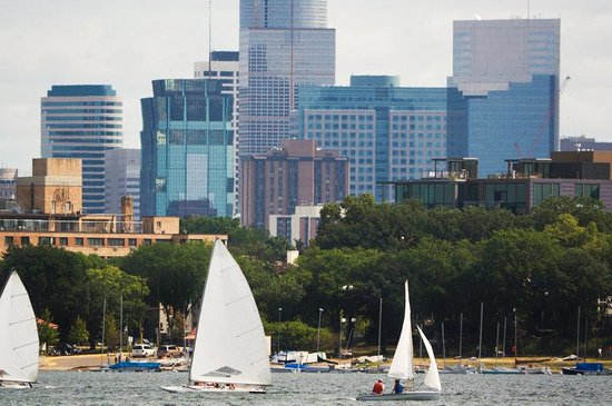 Courtyard by Marriott - Minneapolis Bloomington: Mpls Lake Calhoun And DT