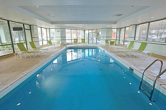 Holiday Inn Chicago Oakbrook: Swimming Pool in Oakbrook Terrace