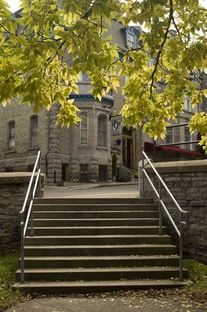 Photo of Chateau Fleur De Lys - L'HOTEL Quebec City