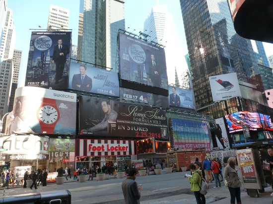 times square picture of renaissance new york hotel times. Black Bedroom Furniture Sets. Home Design Ideas