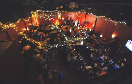 Pomegranate Restaurant: Gathering Room Parties and Music