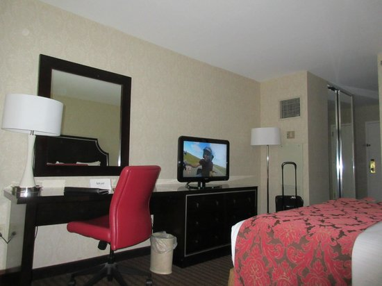 Silver Legacy Spa Suite Review