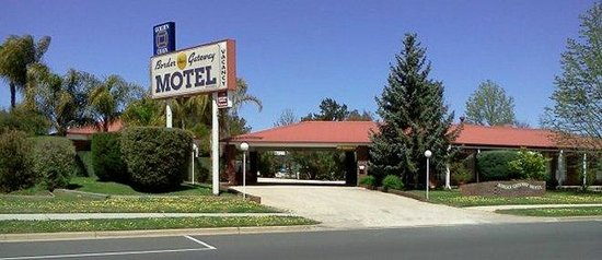 Border Gateway Motel