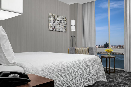 Courtyard by Marriott New York Manh