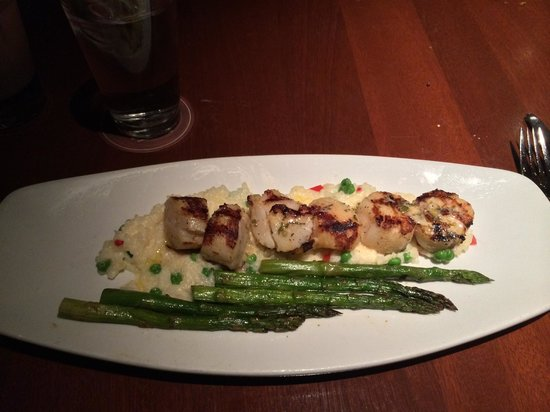 Seasons 52: Caramelized Grilled Scallops