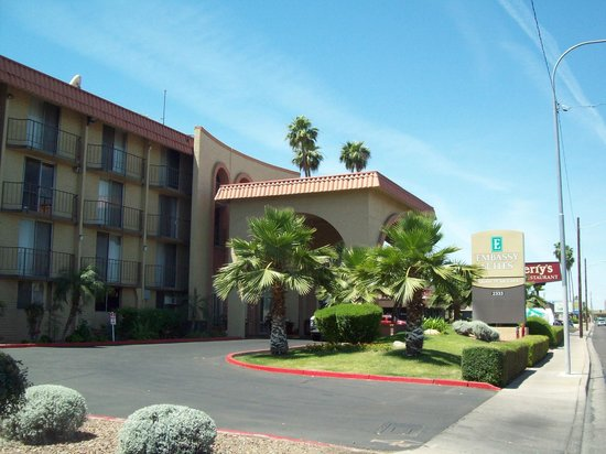 Embassy Suites by Hilton Phoenix Airport at 24th Street: Embassy Suite Phoenix Airport
