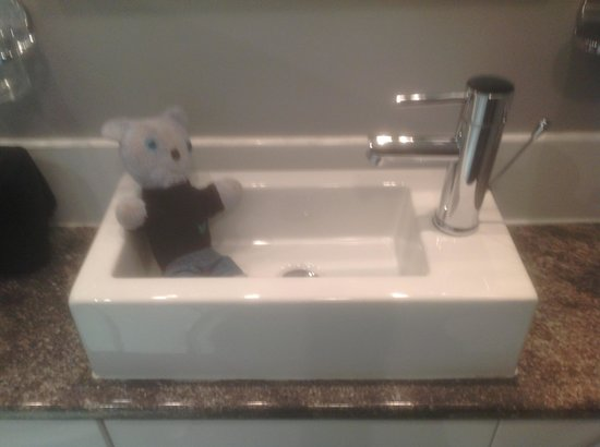 Very Small sink - Picture of Atlantic Reach, Newquay - TripAdvisor