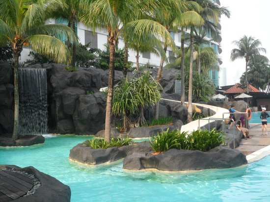 Swimming pool picture of le meridien kuala lumpur kuala - Piccolo hotel kuala lumpur swimming pool ...