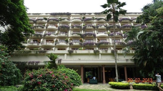 The Oberoi, Bangalore: well maintained balconies