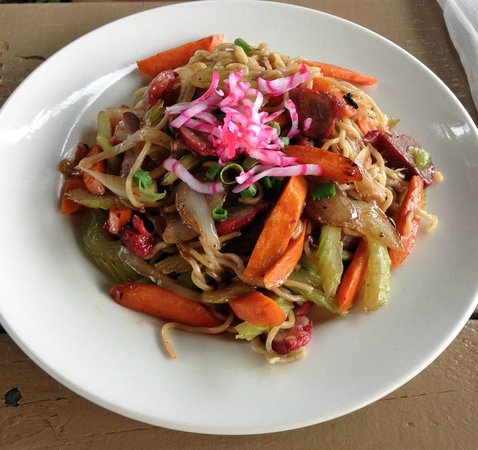 Stir fried saimin picture of anahola cafe and saimin for Asian cuisine kauai