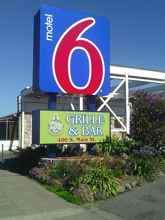 Motel 6 Fort Bragg