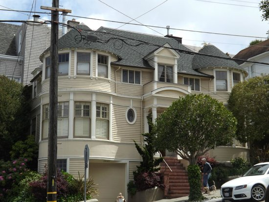 Mrs doubtfire house picture of san francisco movie tours for San francisco mansion tour