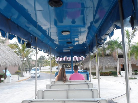 Memories Splash Punta Cana: Trolley running between Memories & Royalton