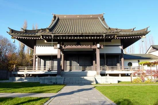 the temple picture of eko haus der japanischen kultur e v dusseldorf tripadvisor. Black Bedroom Furniture Sets. Home Design Ideas