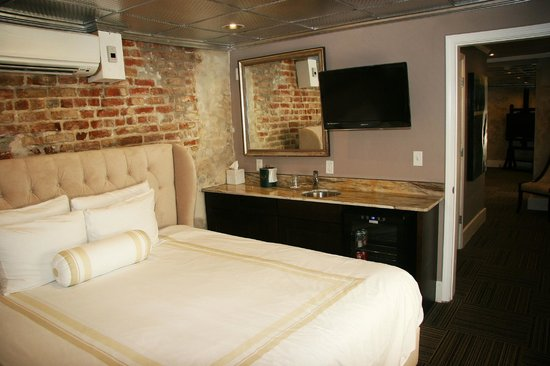Hotel Maison de Ville: Bedroom of The Tennessee Williams Suite