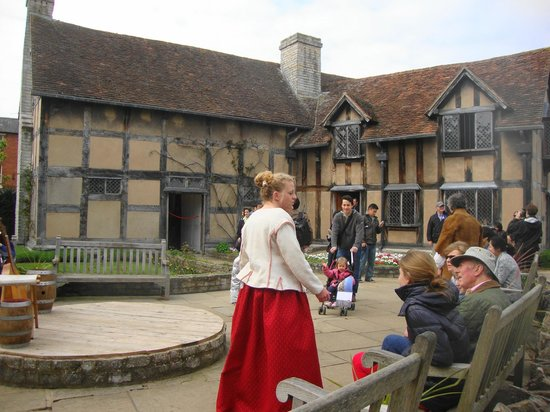 Le jardin picture of shakespeare 39 s birthplace stratford for Jardin shakespeare 2015