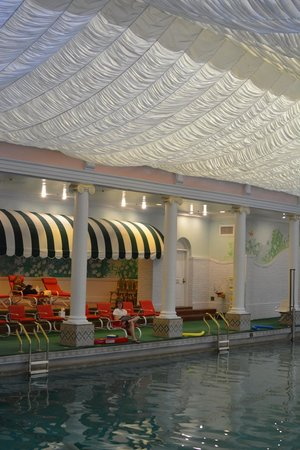 The Greenbrier: The Stunning Indoor Pool