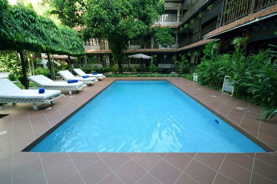 Swimming pool protea courtyard dar picture of protea hotel courtyard dar es salaam for Swimming pools in dar es salaam