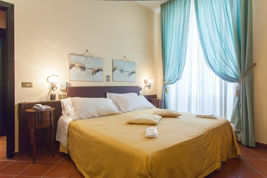 Photo of Hotel Toledo Naples
