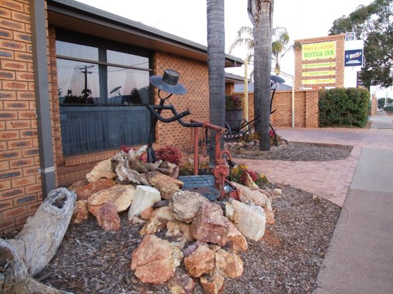 Cobar Town And Country Motor Inn Australia Hotel
