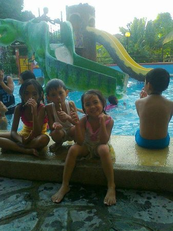 My nephews and nieces are obviously having fun picture for Jardin de dasma rates 2016