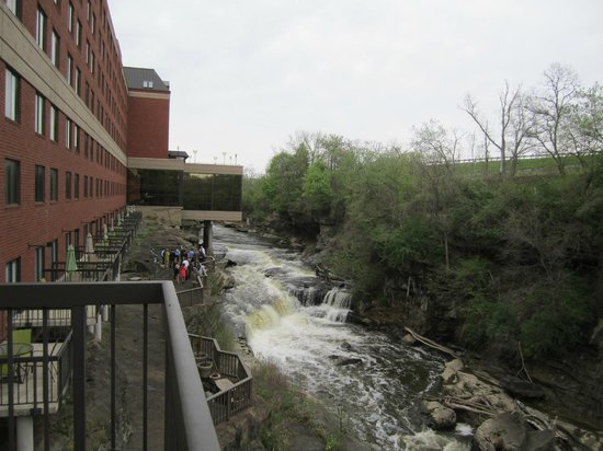 Cuyahoga Falls (OH) United States  city photos : River at back of hotel Picture of Cuyahoga Falls, Ohio TripAdvisor