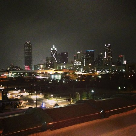 NYLO Dallas South Side: View from the rooftop bar and pool